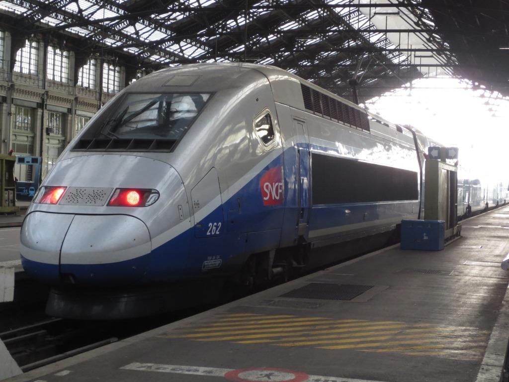 TGV PAR LYON