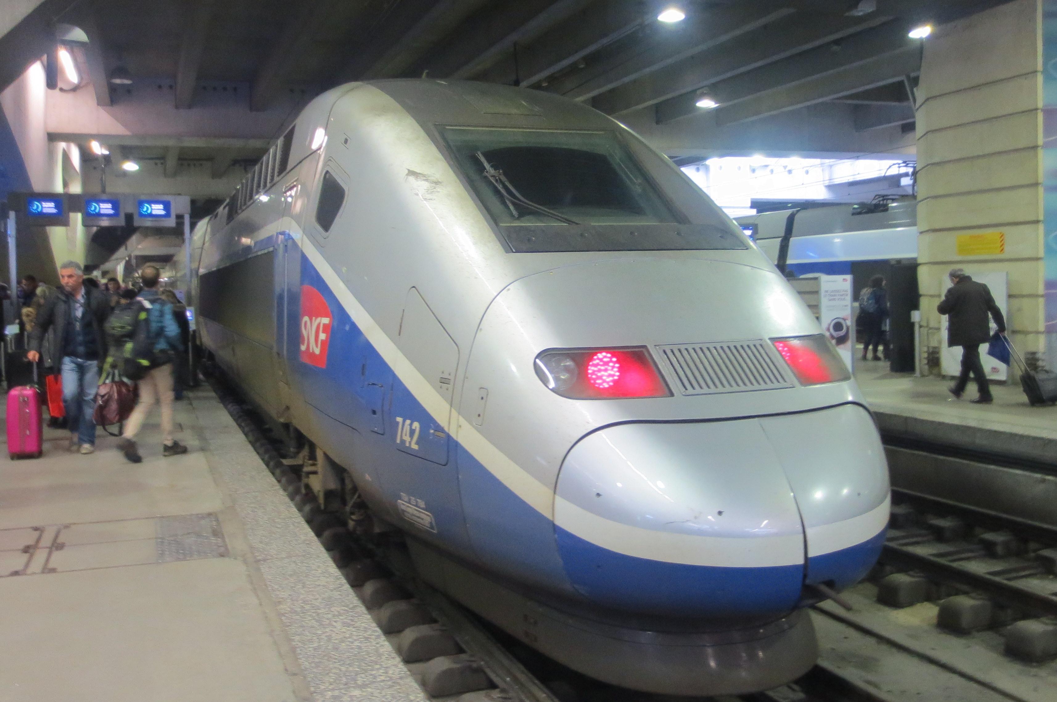 TGV PARIS